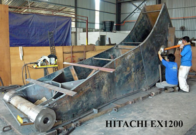 EX1200 Long Reach Package under construction